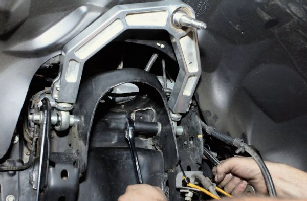 icon-upper-control-arm-install-2